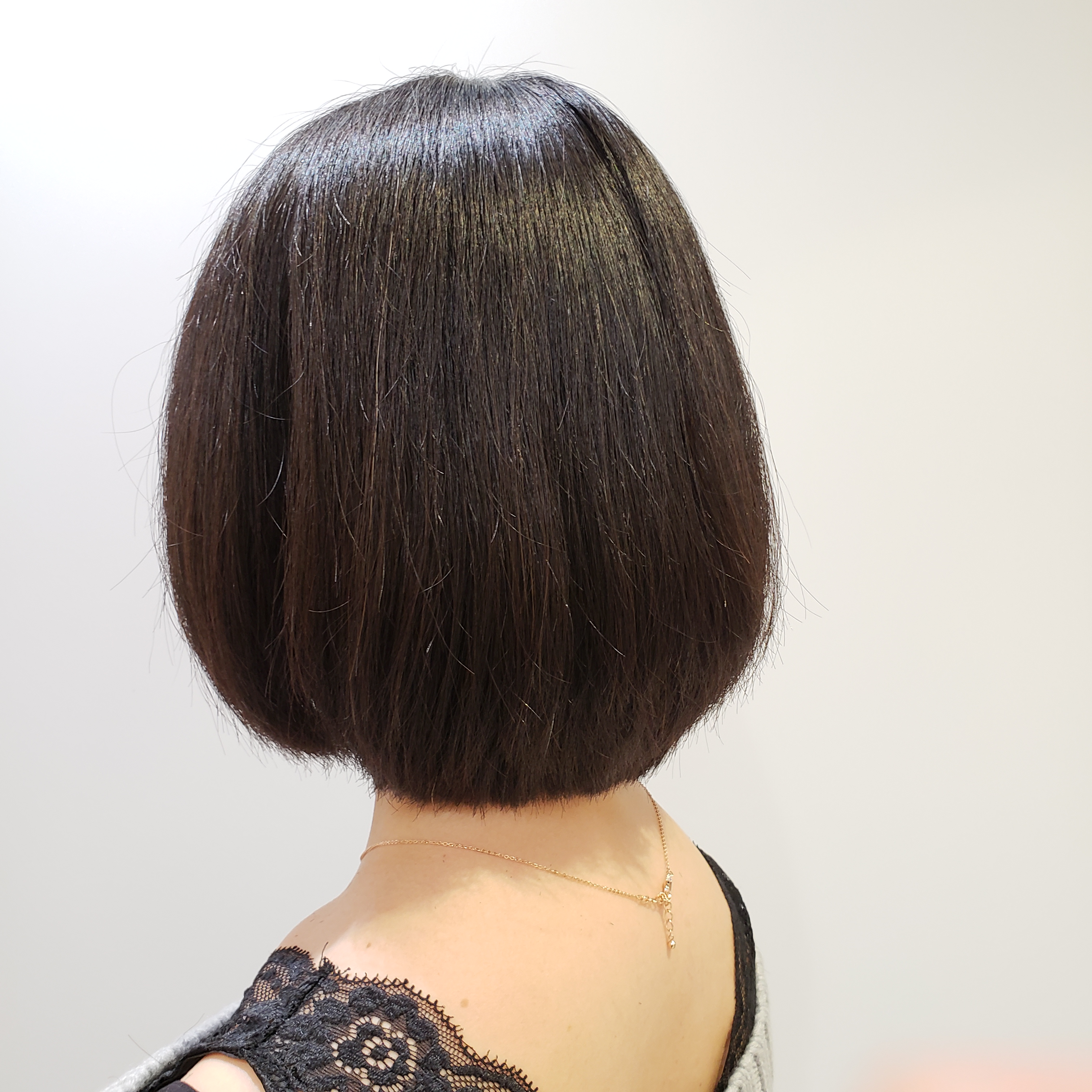 【髪を切るタイミングがわからない方必見】一年ぶりにカットしてみたら印象はどう変わるか?