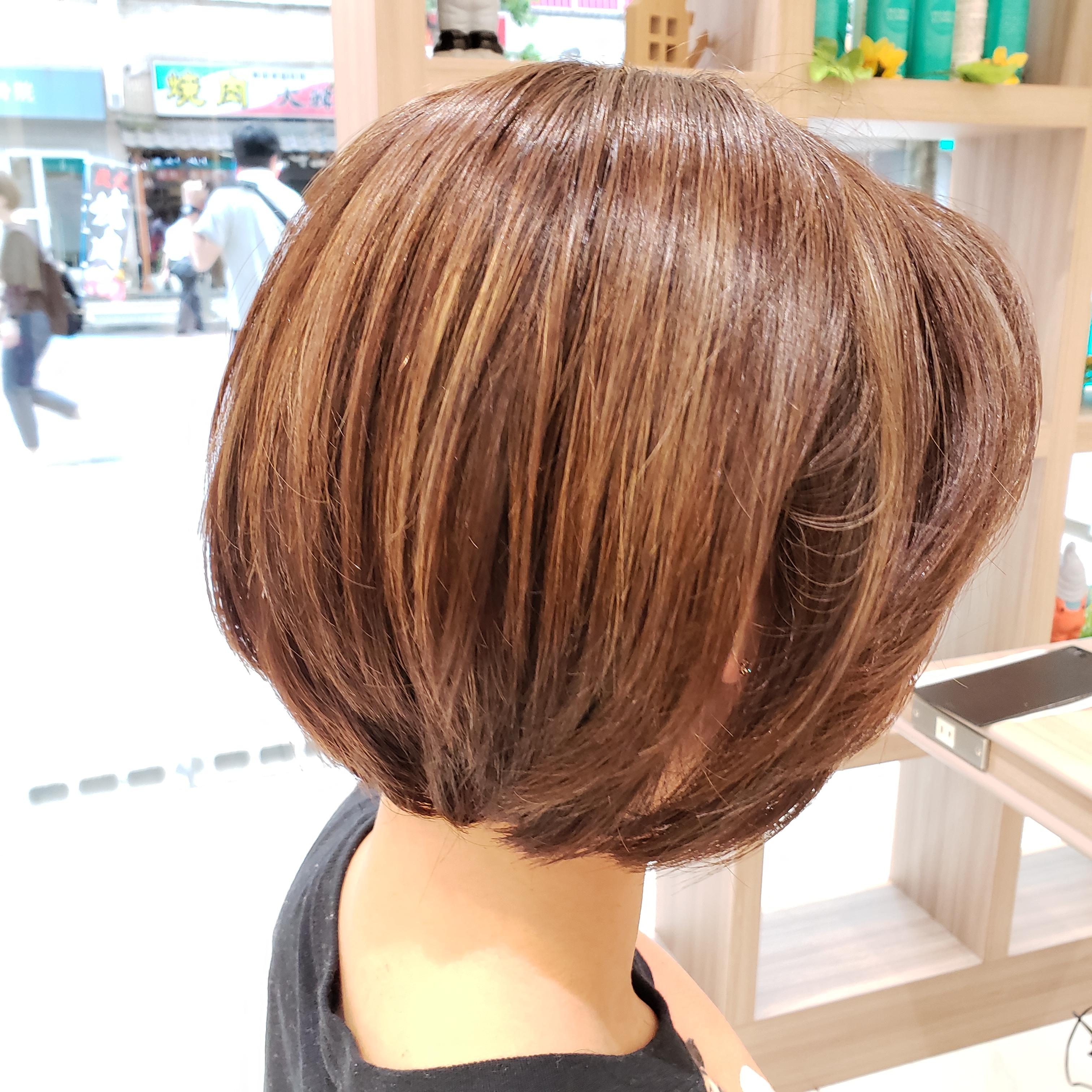 【ボブから伸ばしてる方必見】長さを変えずに髪をすく方法とは?