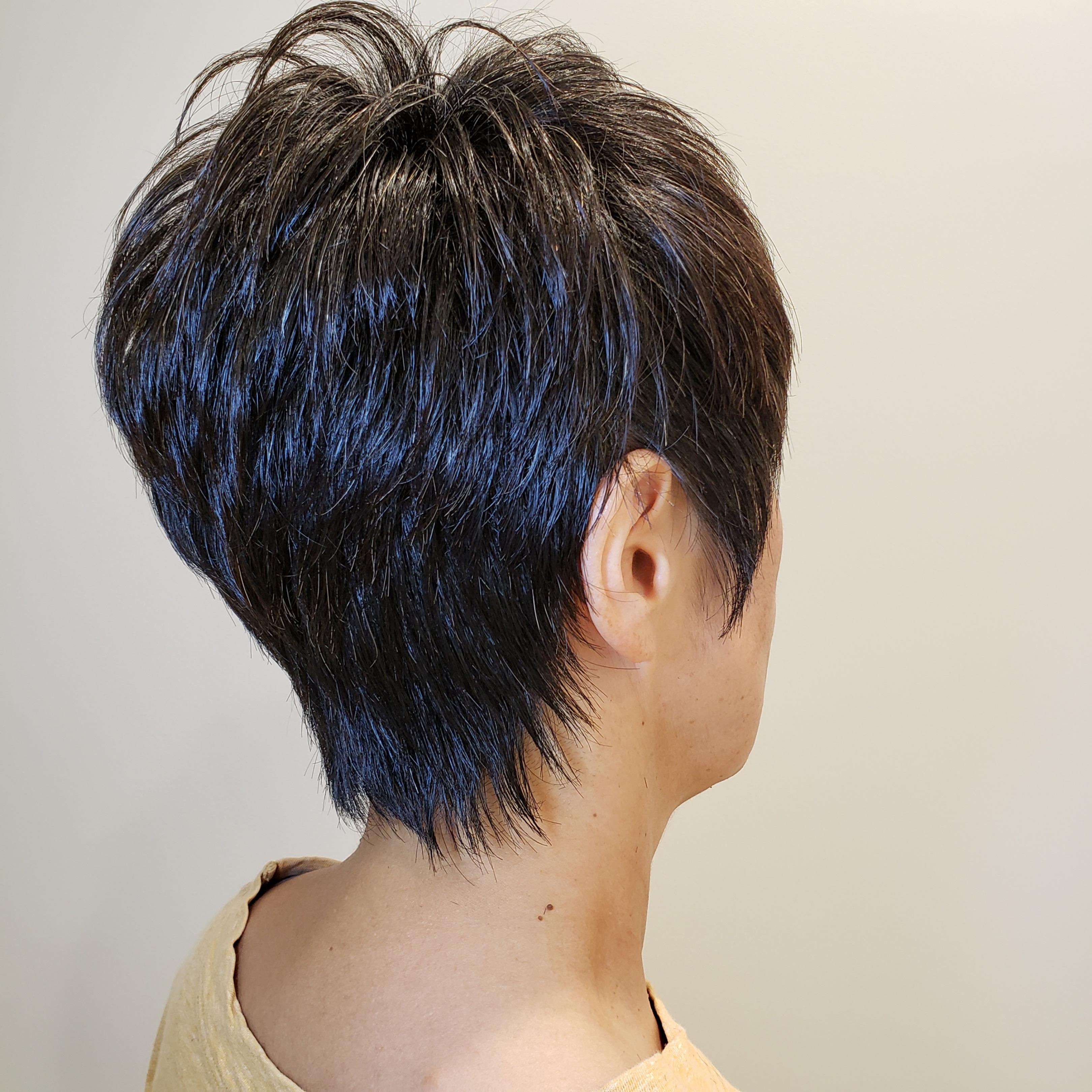 【細く見える髪型】首が細く見える髪型にするには?