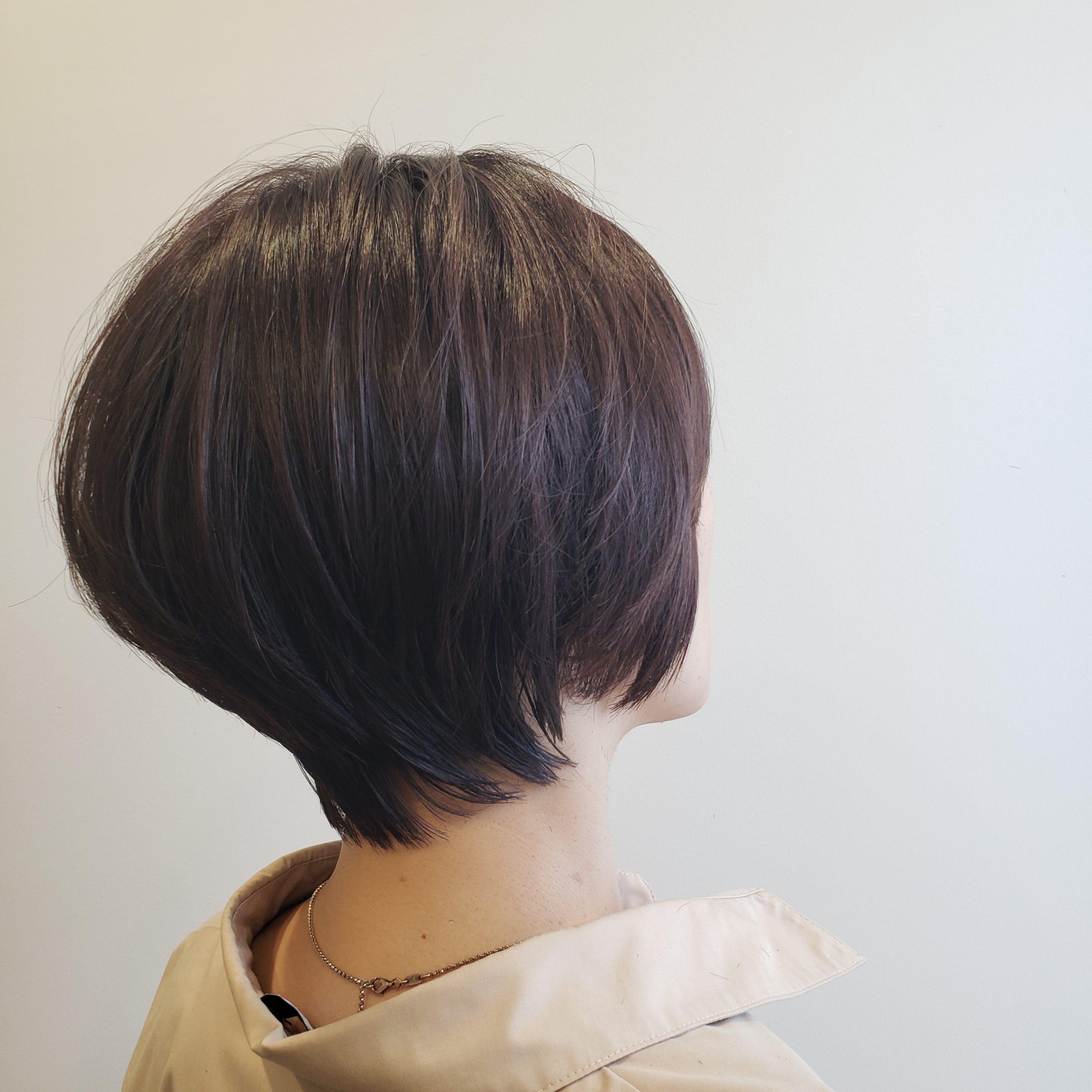 【首が細く見える髪型】くびれのある髪型のメリットとデメリット解説